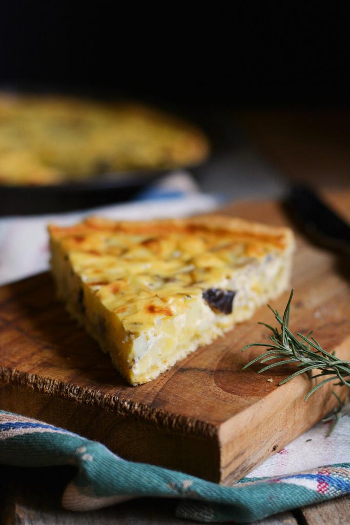 Torta salata con patate e porcini farina lievito e fantasia - Torte salate decorate ...