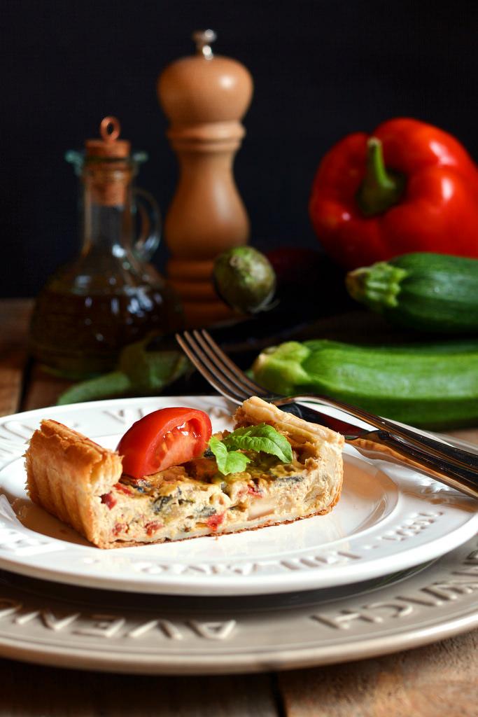 Quiche di formaggi e verdure farina lievito e fantasia - Torte salate decorate ...